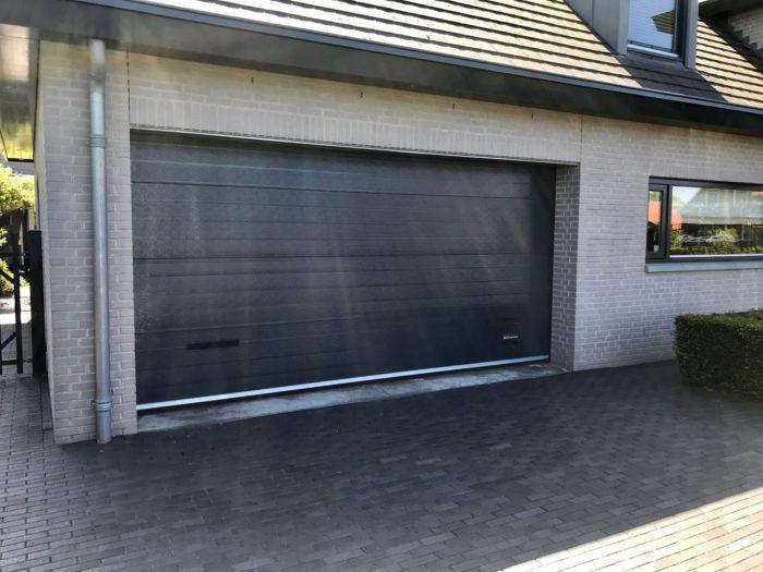 Vandalisme garage deur: na werkzaamheden